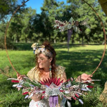 Byron Bay Florist Leanne Carroll with her floral eternity hoop