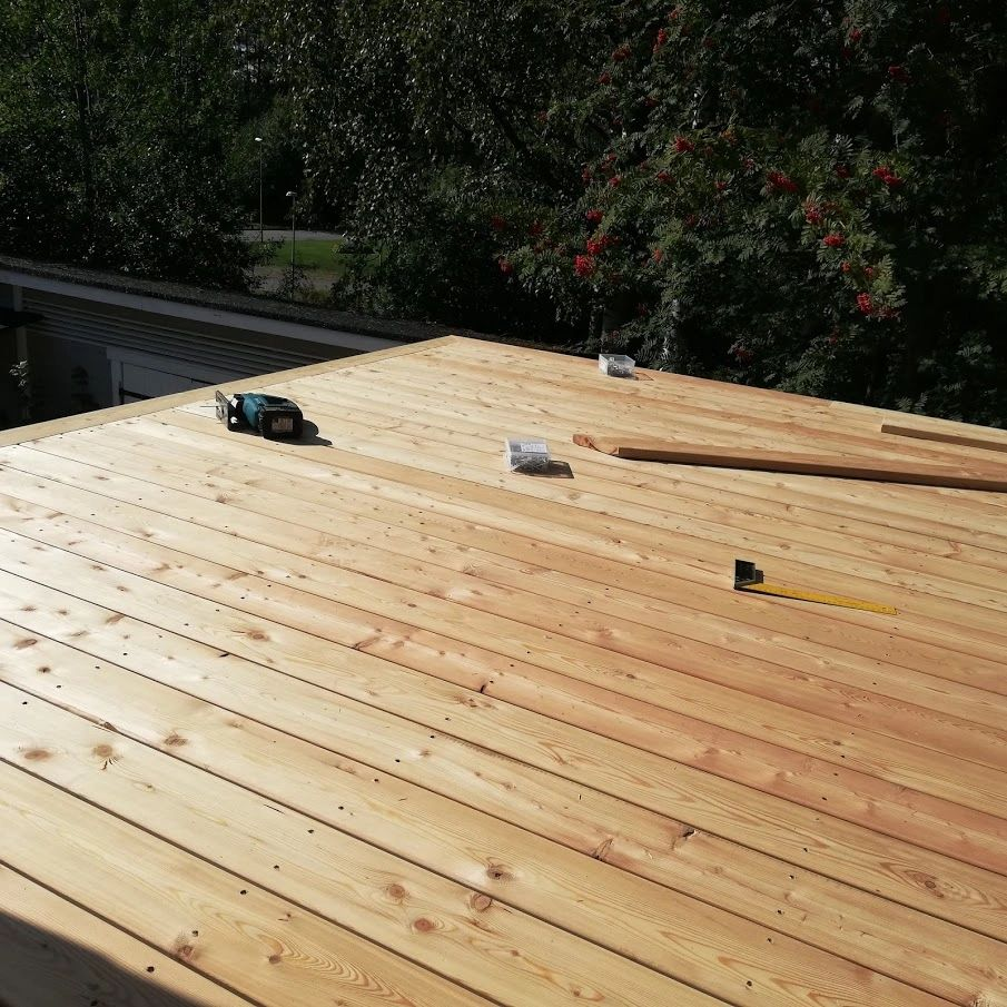 Siberian Larch deck is durable, safe, comfort, aesthetic and sustainable!