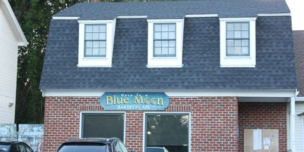 Blue Moon Bakery & Cafe'