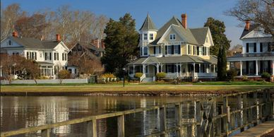 picture of historical waterfront homes in Edenton, NC