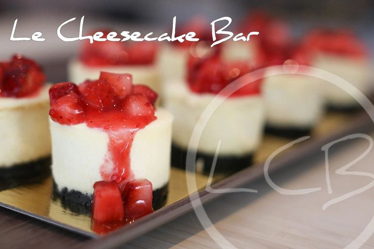 Strawberry Cheesecake, Mini Cheesecake, Cheesecake,  Best Cheesecake in Montreal, Gâteaux au fromage