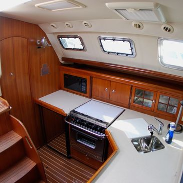 Hunter 41 DS Galley