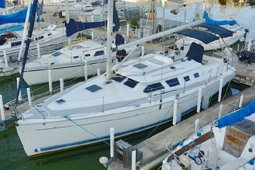 2000 Hunter 41 DS Deck Salon best used sailboat for sale