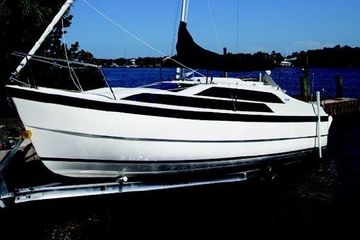 2015 Macgregor 26 Tattoo best used sailboat for sale