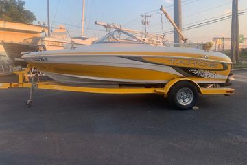 2010 Tahoe Q4 Bowrider and Trailer with bimini best used power boat