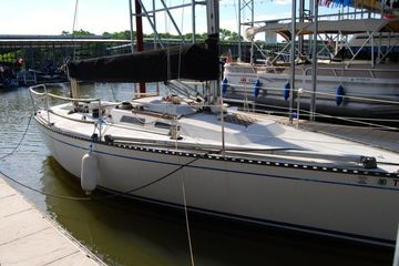 For Sale 1985 Santana 3030 GP best used sailboat in Texas fresh water
