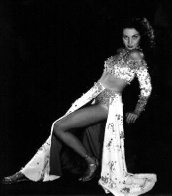La hermosísima beldad brasileña que con su cuerpo escultural y portentosas piernas, enloqueció al presidente mexicana, Miguel Alemán
