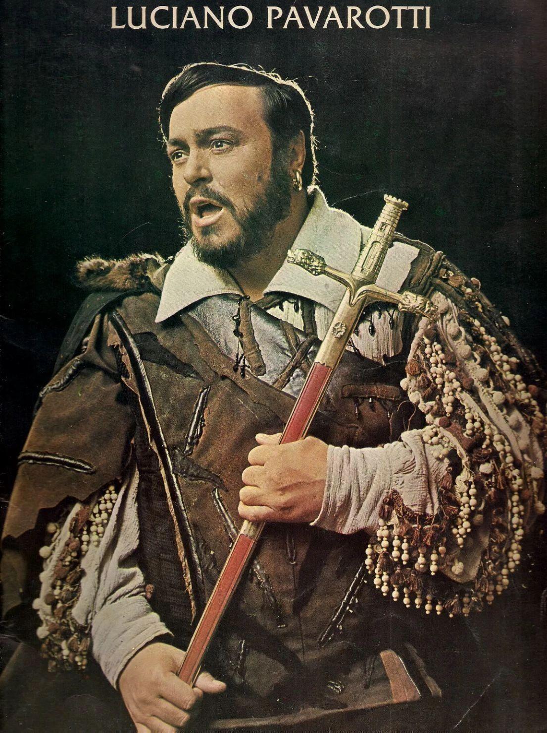 Luciano Pavaroti interpretando el duro papel de  Manrico en Il Trovatore