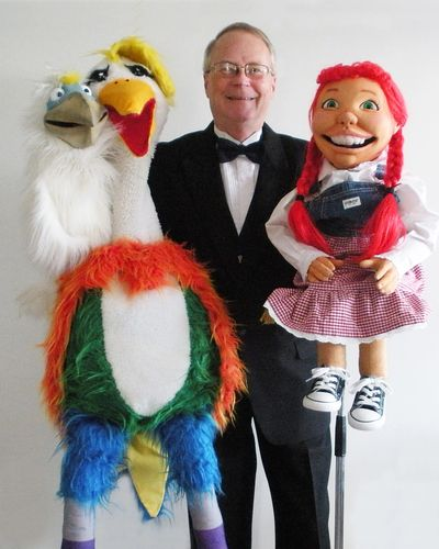 Dana and his puppet friends.