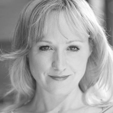 Laura Schutter spent six years performing in Mary Poppins on Broadway. Other Broadway and National T