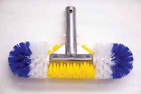bristle pool brush