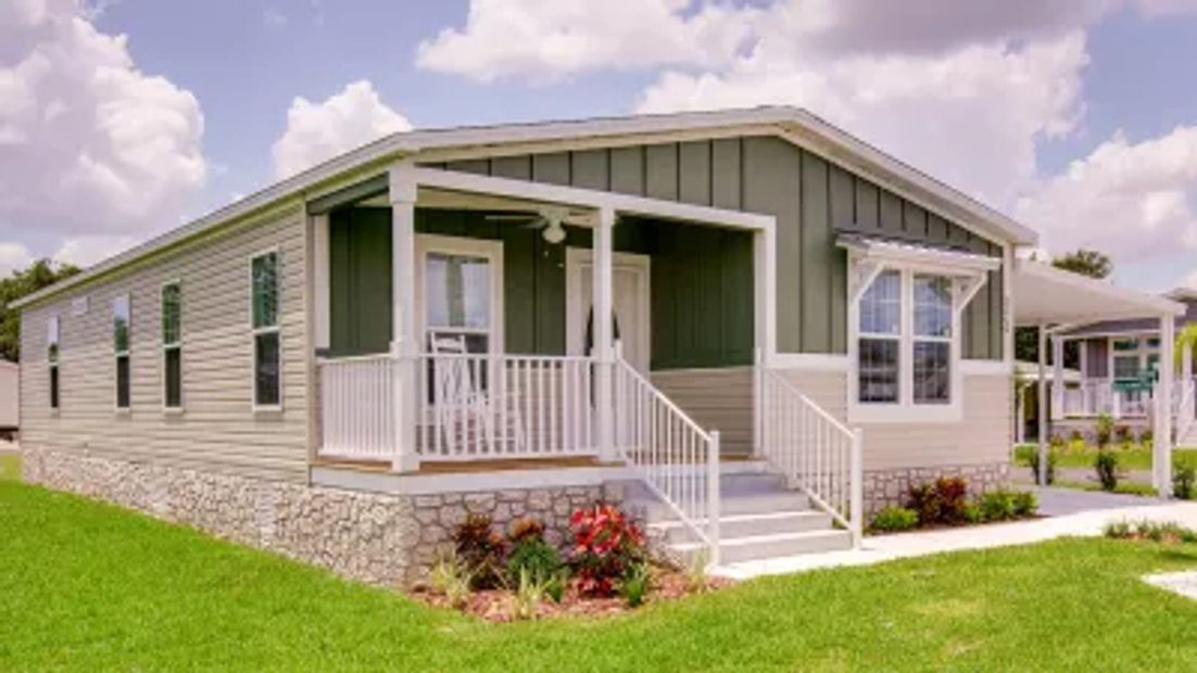 Example of Beautiful New Mobile Home.