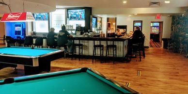 Candlerock Lounge, Billiards, Bar