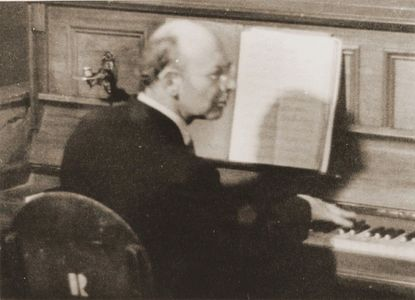 Willy Rosen at the Piano in Westerbork Camp