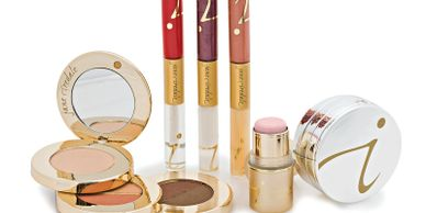 Jane Iredale and clean professional makeup and make up near Chelmsford, Massachusetts