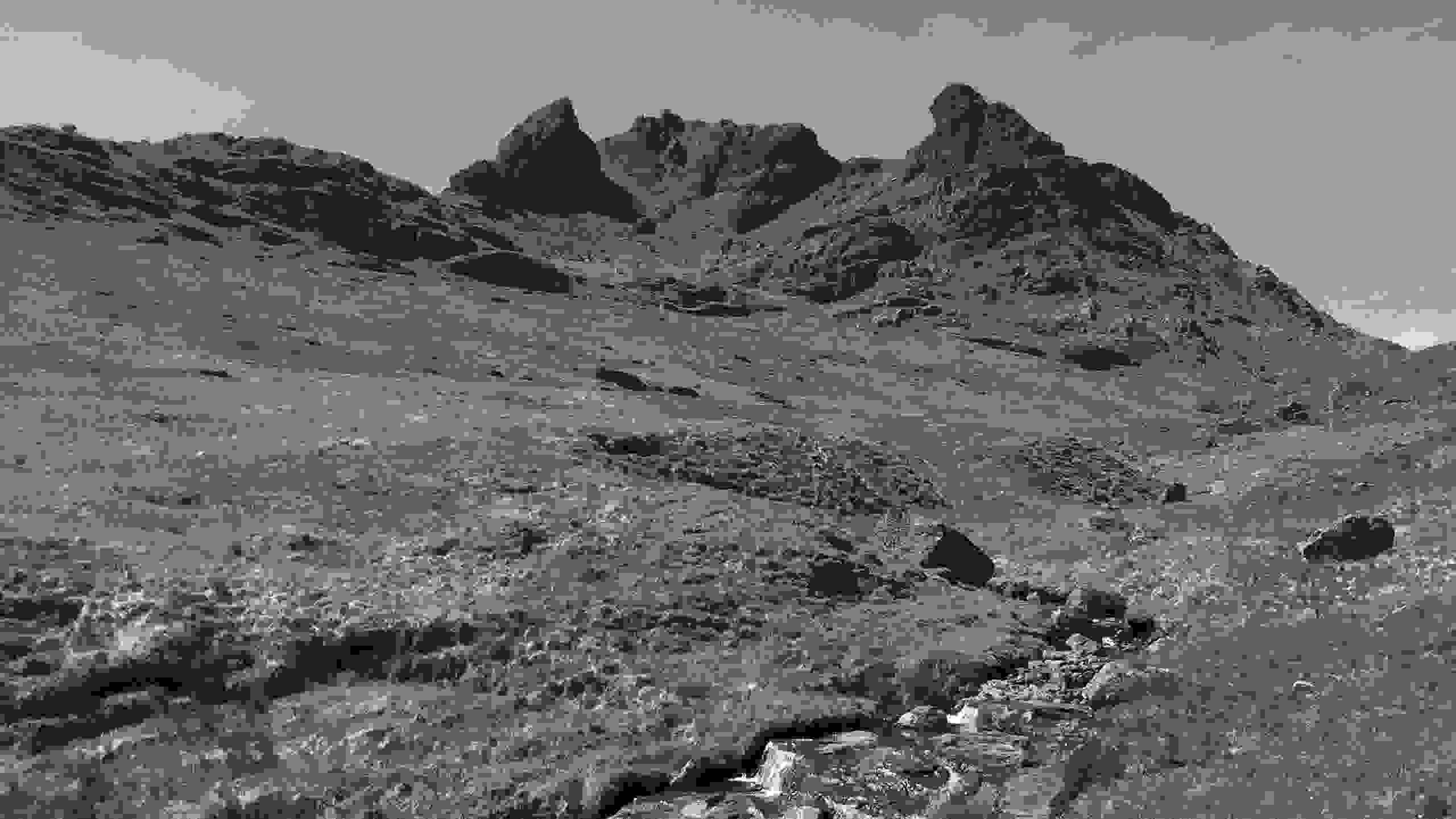 View of Ben Arthur (The Cobbler) from the path.