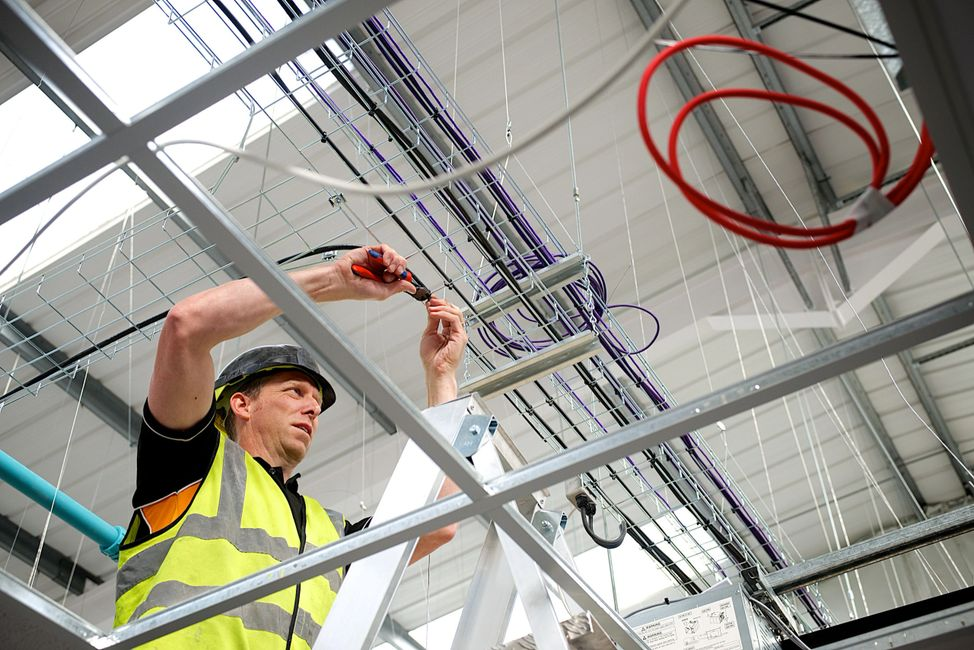 Electrical, commercial and industrial contractors for the South of England.