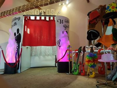 wedding hire booth somerset  langport  yeovil  south west  photobooth hire  hatsoff photobooths