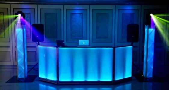 wedding Dj hire  dj and photobooth packages kids party dj in somerset  Mobile disco hire hatsoff