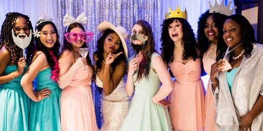 Wedding-bridal-party-photo-booth-lightfoot-premier-entertainment-djs-and-lighting