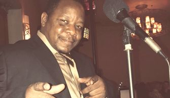 DJ Lightfoot mixing-live-wedding-party-lightfoot-premier-entertainment-djs