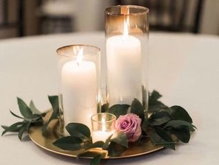 These beautiful centerpieces are for you and your guests to keep.