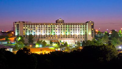 Photo of the Branson Radisson Hotel at night