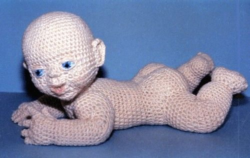 Amigurumi crochet doll pattern: Gloria with realistic bottom | 317x500