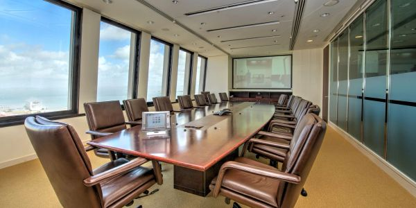 Polycom video conferencing touch control, table microphones with projector