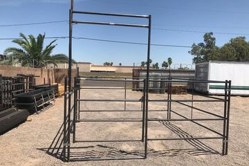 Mesa Arizona 10 Ft horse panel with walk through gate. Continuous Fence, Livestock panel.