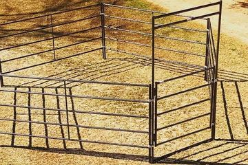 Walk Through gate, Horse gate, Livestock gate, Round pen gate, Portable gate.