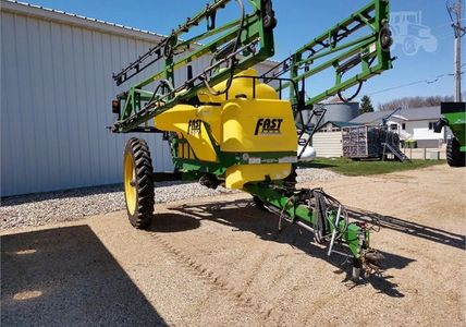 Fast 9613 2010 model, used 7 seasons on a small acre farm. 1350 gal tank, hand wash, rinse tank, 80'