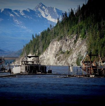 Above the Bridge Glennallen Subsistence Dipnet Charter Miles Lake Sonar Copper River Fish wheel