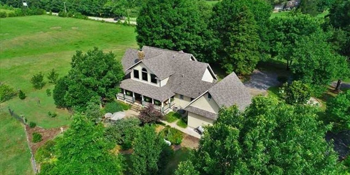 Spectacular 100  gated acre ranch on Saline River