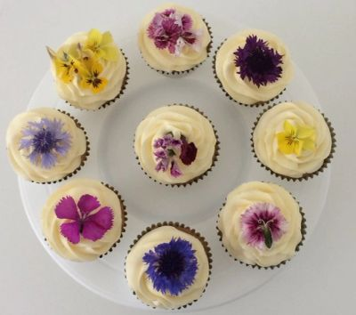 Flower topped Vanilla Bean Cupcakes by Poppy's, Cupcake Delivery London. 07824 705364