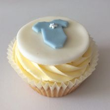 Baby Shower Cupcakes by Poppy's Cupcakes in London.