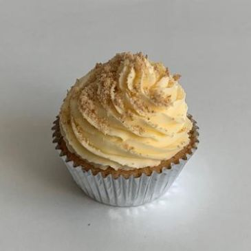 Cupcake Delivery near me, Traybake delivery London. Poppy's Cupcakes