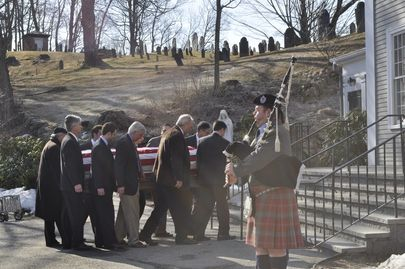 Bagpipes for pallbearers in Portland, Oregon