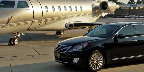Alimena Worldwide, a luxury limousine limoline with chauffeur, is a limo service near me.