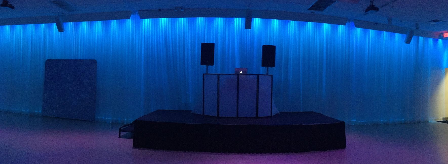 Custom DJ equipment setup service,DJ booth and stage rental