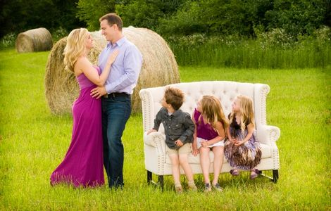 Portrait photographer, Newborn, children, families. Best photographer in Rockford, Illinois. Byron,