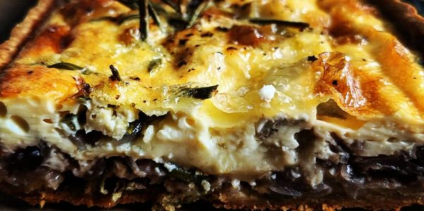 Brie, rosemary and caramelized onion tart