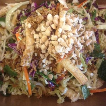 Green/Red cabbage, carrot, cilantro, mint, pan fried tofu ( or Chicken) , topping with roasted peanu