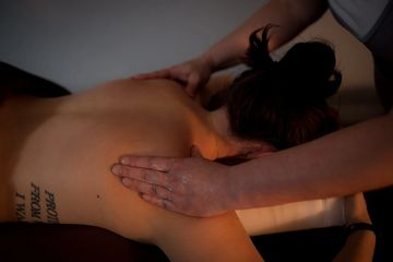 therapeutic shoulder massage