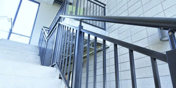 BALUSTRADES BALUSTERS RAILINGS ALUMINIUM STAINLESS STEEL FRAMELESS GLASS ANODISED TIMBER PPC