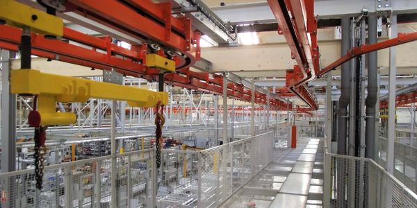 overhead power and free conveyor system