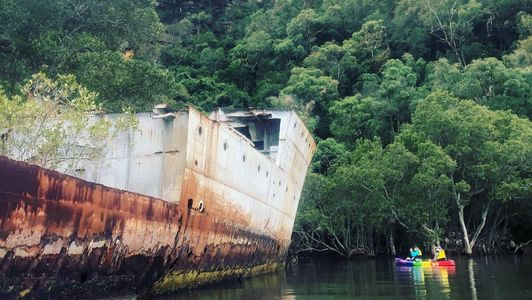 kayak tour shipwreck hire adventure hawkesbury river adventure present ideas things to do sydney