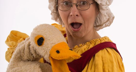 Mother Goose. Goose puppet. Auntie. Aunty Goose
