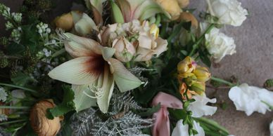 yellow and white bridesmaid bouquet with amaryllis