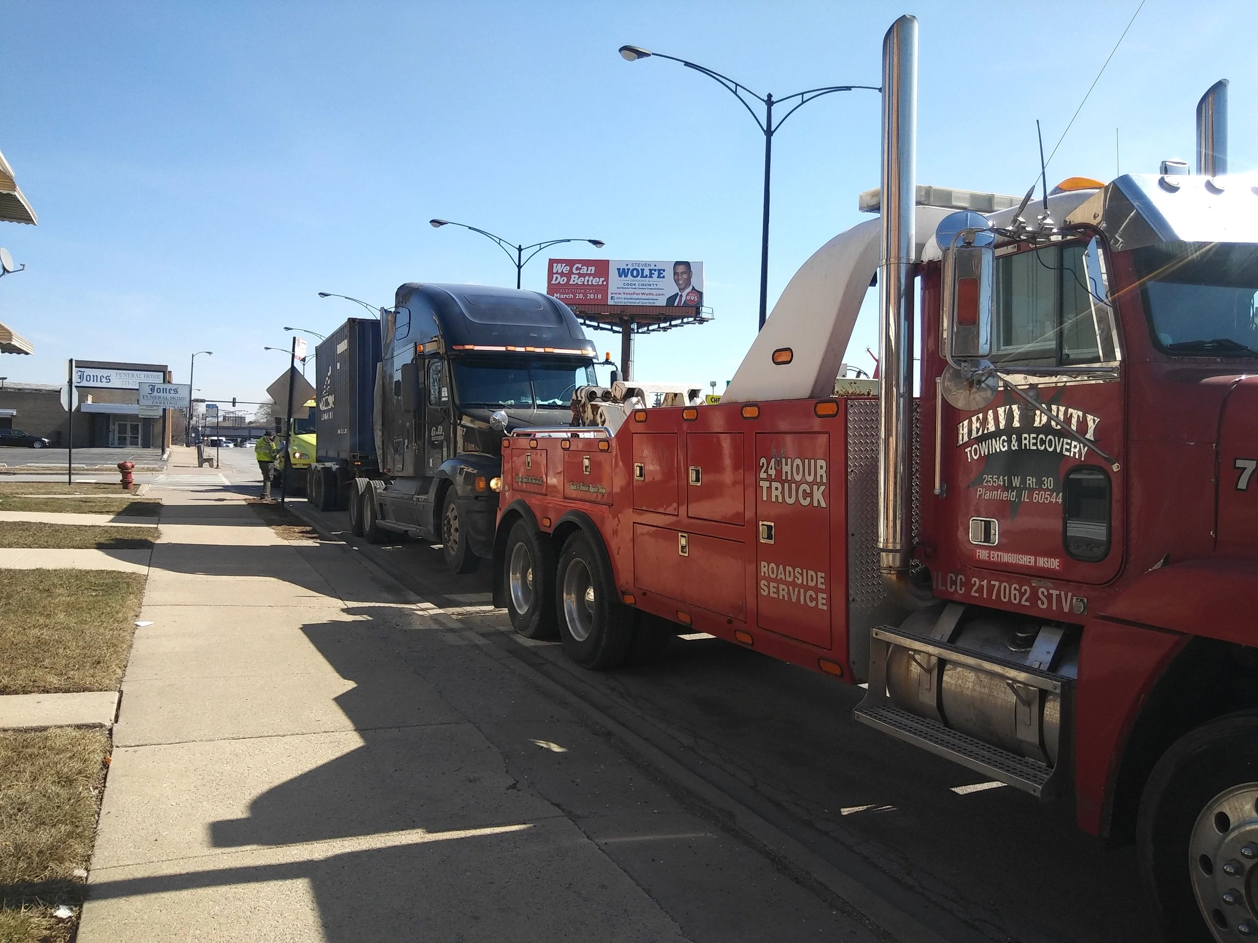 Semi Truck Towing Heavy Duty Towing & Recovery Inc